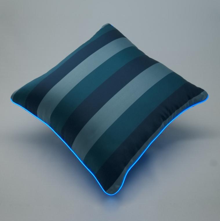 Cuscino Luminoso Blu Rigato